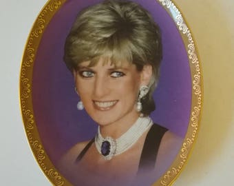 Davenport Fine Porcelain Wall Plate 'The Brightened Our Lives' in the Memories of Diana