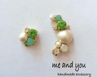 Cotton Pearl Ear Clip ~ green