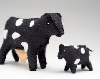 felt cow, felt calf, felt animals, felt toys, Waldorf toys, cow and calf, toys ,mom and me, farm animals, Valentines Day Gift for Toddler