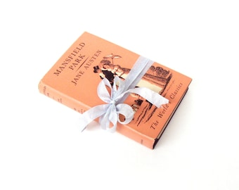 Mansfield Park By Jane Austen, The Worlds Classics Edition, Pocket Size Book, Peach Decor, Coral Austen Wedding, Coral Book Decor, Austen