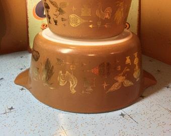 2 Vintage PYREX EARLY AMERICANA Cinderella Mixing Bowls # 473 2.5 Qt #475 1.5 Qt