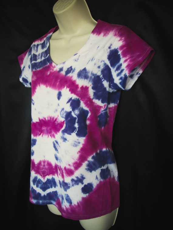 Hand Dyed V-Neck Tie Dye Shirt in Raspberry & Purple