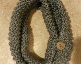 Short Infinity Scarf with Button