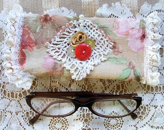 Ladies Eyeglass Pouch Handmade Vintage Crocheted Lace