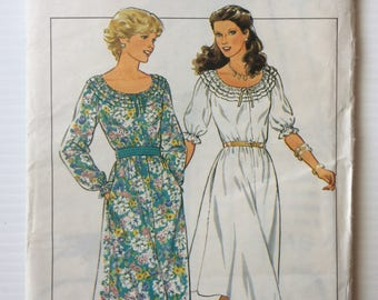 Vintage Style sewing pattern 3594 - Misses' pullover dress - size 10