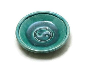 Raku-Yin Yang mit Schale in blaugrün handgemachte Keramik
