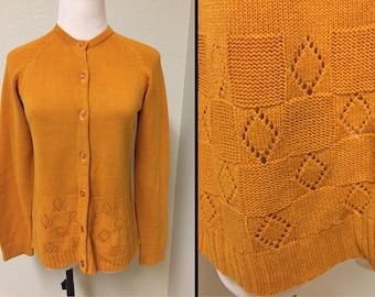 "Late 1960s - 1970s Cardigan Sweater Size S Small - M Medium / 32"" - 34"" Bust"