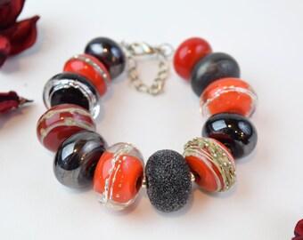 Red lampwork bracelet, elegant beaded bracelet, glass bead bracelet, Valentines day gift for her, unique bracelet, artisan lampwork bracelet