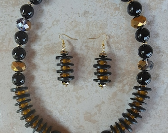 Black and Gold Necklace Set with Pendant