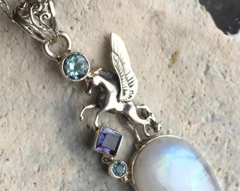 Pierre de lune arc en ciel & Lolite 925 pendentif en argent Sterling Pegasus