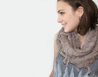 CROCHET PATTERN - Infinity Scarf - Instant Download (PDF)