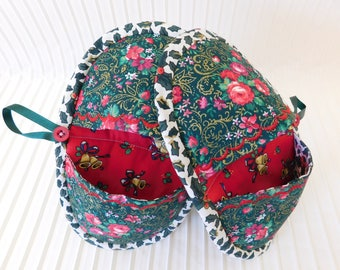 Pot Holders, Oven Mitts set of 2 Christmas colors