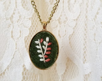 Embroidered Necklace in Gold Pendant