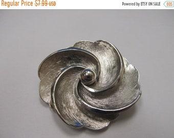 On Sale Vintage Silver Tone Swirl Flower Pin Item K # 973