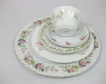 Mismatched China Place Setting, 5 piece Place Setting, Tea Party Tabletop, Wedding Decor