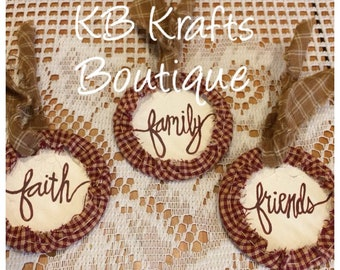 Set of 3 tags