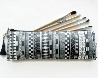 Art gifts, artist brushholder, make-up brush bag, crochet hook storage and pencil casegifts under 10.