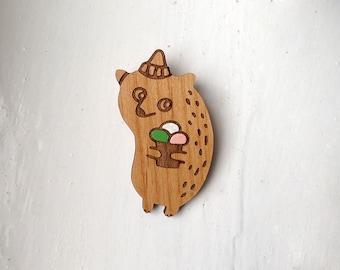 Icecream Bear - wooden brooch, varnished alder wood
