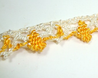 Sunflower Yellow and White Sewing Trim, 2 1/2 Yards