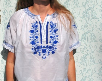 Peasant blouse, embroidered blouse, embroidered shirt, Hungarian blouse, peasant blouse in cotton, blue peasant blouse, boho clothing