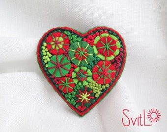 Felt heart brooch pin Hand embroidery textile brooch French knot Red heart brooch Jewelry for mom Felt art Valentine's day gift for women