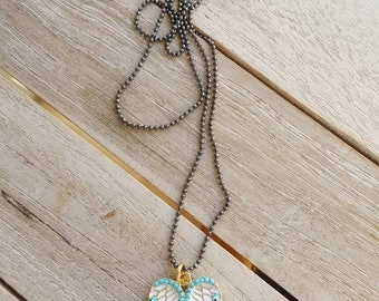 Necklace with angel wings