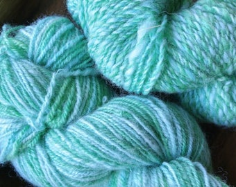 237 yds (worsted) Cool Mint Wool Yarn