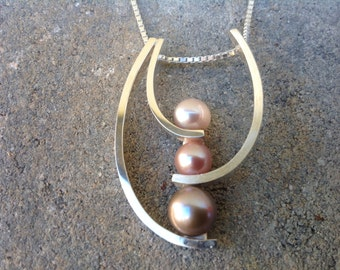 Modern tri-color pearl necklace, Pearl pendant, Pearl Necklace, Silver Necklace, Silver Pendant. Sterling Silver
