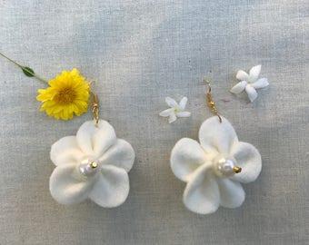 Hanging Flower Earrings (White)