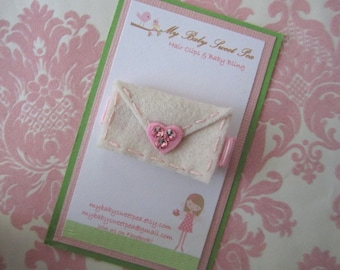 Girl hair clips - valentine hair clips - girl barrettes - valentine barrettes