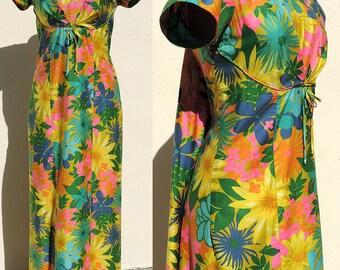 Vintage Hawaiian Maxi Dress Neolani Casuals by Tsuru Cotton Sateen Waterfall Watteau Back Medium