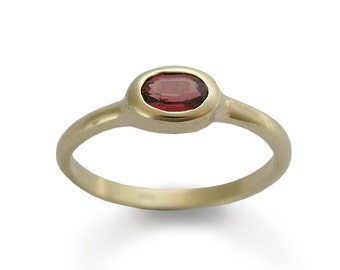Faceted Garnet Gold ring, Handmade delicate ring, 14k Yellow Gold, Classic Engagement Ring, Bridal Jewelry, Minimalist ring, Statement ring