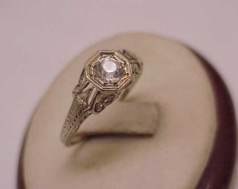 18K White  Gold Antique Victorian Old Cut Paste Ring, 1800s.
