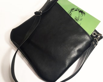 Vegan Bag, Black Leather Tote, Vegan Leather, Tote Bag with pockets, Crossbody Bag, Cross Body Purse, Medium Tote, Vegan purse,