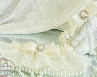 Ivory Garter Set, Wedding Garter, Bridal Garter, Wedding Garter Set, Garter Set, Ivory Garter Set, Ivory Lace Garter Set, Bridesmaid Gift
