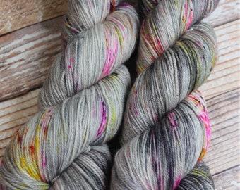 Ines - Dark Magic - Hand Dyed Yarn - 100% Super Wash Merino