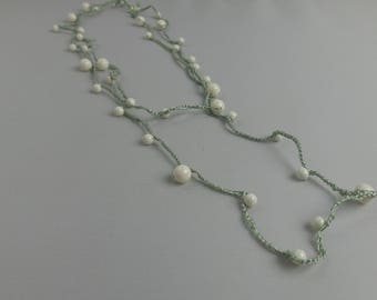 Very light necklace/bracelet with beads and pearls