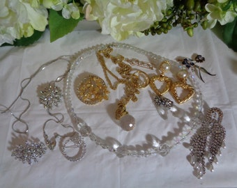 Large Lot Crystal Rhinestone Necklaces Brooches Earrings Sell Wear  Dress Up