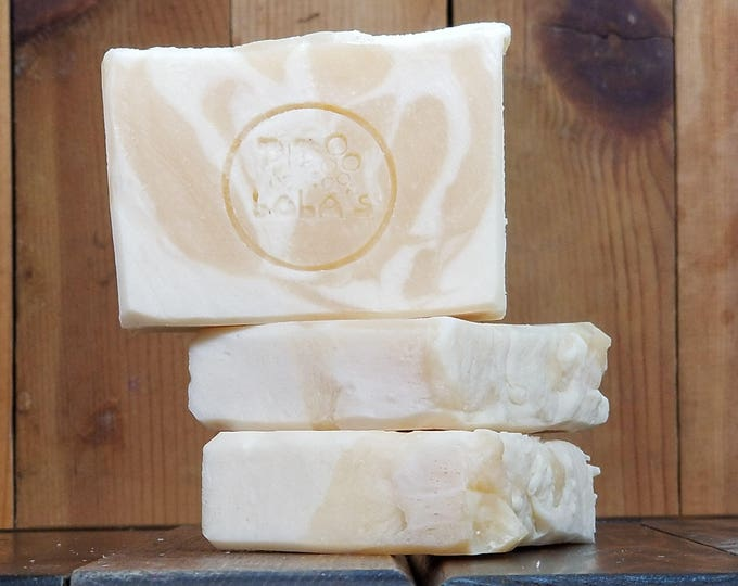 """Peach Scented Soap """"Desdemona"""" Soap Goddess Loves Shakespeare Soap, lightly scented, yogurt soap, free shipping"""