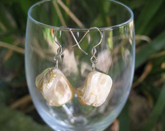 Earrings White Pearl beads