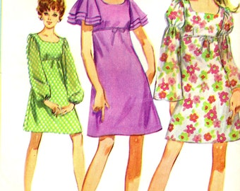 Simplicity 8104 Empire Waist Mini A-Line Dress Tiered Sleeves  VINTAGE 1960s Size 7JP Bust 32 ©1969