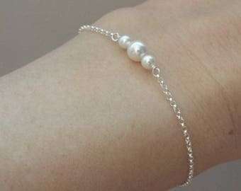 Sterling Silver Pearl Bracelet- White Pearl- Dainty Silver Bracelet- Tiny Pearl Jewelry- 925 Bracelet, Bridesmaid Gift, Wedding Jewelry