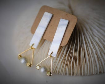 RECTANGLE Earring, SHELL Earring, Gold Triangle with Pearl Earring  ~  15 mm - Women / Casual / BOHO
