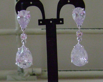 Stunning Teardrop Crystal Bridal / Special Occasion Earrings