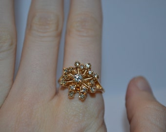 SALE PRICE  Vintage Diamond and Gold Burst Engagement Ring – Great Quality and Condition pp26