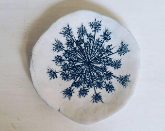 GRANDMA'S LACE - Handmade porcelain dish with an impression of Queen Anne's Lace.  Blue and white home decor.  Ring dish or spoon rest.