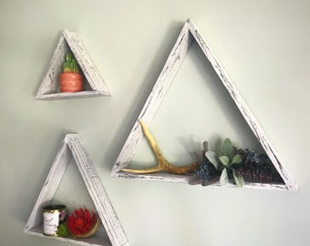 Set of 3 Pyramid Shelves|with grey