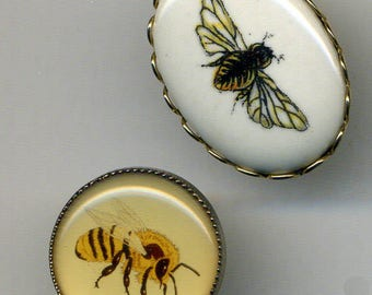 Three Delightful BEE BUTTONS