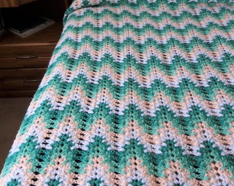 Crochet Afghan, Vintage, Lacy Waves, ripple, handmade, finished product