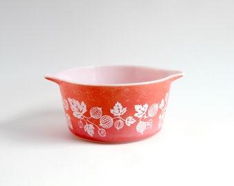 Vintage Pyrex 1950s Pink Gooseberry, pink pyrex gooseberry, pink gooseberry pyrex cinderella bowls, pink gooseberry pyrex